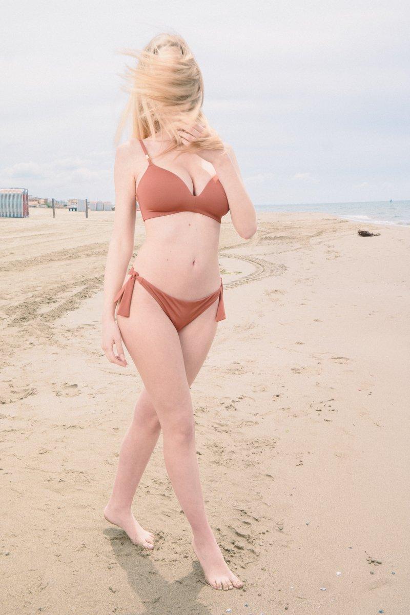 beachwear costume marrone a due pezzi-2